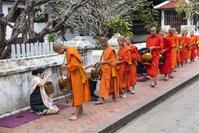 ラオス 僧侶