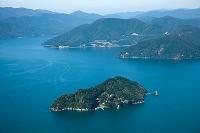 滋賀県 琵琶湖に浮かぶ竹生島 都久夫須麻神社より奥琵琶湖方面