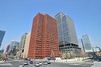東京都 和田倉門交差点から見る丸の内のビル群