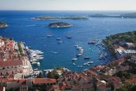 クロアチア フヴァル島の海