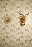 時計と鹿の飾り