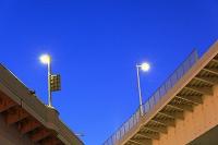東京都 お台場 高速道路のライト 夕景