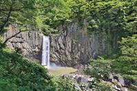 新潟県 苗名滝