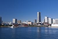 神奈川県 横浜 大桟橋よりみなとみらいを望む