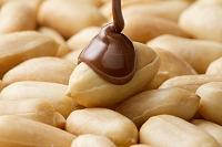 ピーナッツにチョコレート