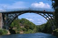 イギリス アイアンブリッジ(世界最古の鉄橋)