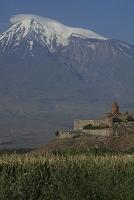 アルメニア ホル・ヴィラプ修道院とアララト山
