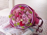 花束 ピンク バラ カーネーション