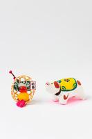 倉敷張り子首振り犬と正月飾り