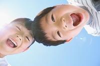 笑顔の日本人の子供