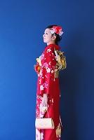 振袖を着た日本人女性
