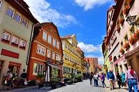 ドイツ ローテンブルクの街と観光客