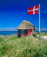 デンマーク エアロ デンマーク国旗と小屋
