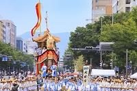 京都府 祇園祭 御池通を進む大船鉾