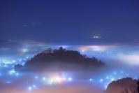 福井県 冬の越前大野城夜景と雲海