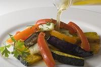 夏野菜の温サラダにドレッシング