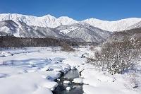 長野県 松川と白馬三山(左より白馬鑓ヶ岳・杓子岳・白馬岳)