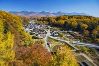 長野県 槻木の集落と八ヶ岳