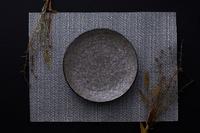 和皿とドライフラワー