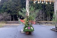 雷神社の門松