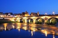 フランス ロワール渓谷 アンボワーズ 城とロワール河