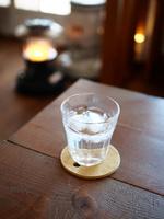カフェの水