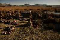 ペルー チチカカ湖 トトラ(葦)で作った人工島・ウロス島