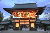 神奈川県 寒川神社 ねぶた飾りの神門