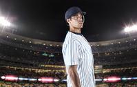 スタジアムに立つ野球選手