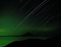 山梨県 星の光跡と月明かりの雲海と富士山