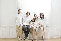 仲の良い3世代日本人家族
