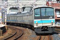 大阪府 阪和線 カーブを曲がる205系普通電車