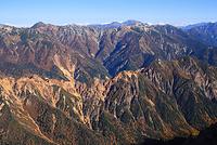 長野県 槍ヶ岳山荘から望む硫黄尾根と水晶岳と剱岳と立山