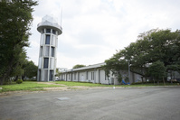 気象庁 気象衛星センター 極軌道衛星受信アンテナ塔