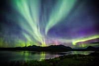 アメリカ合衆国 アラスカ デナリに舞う神秘のオーロラ