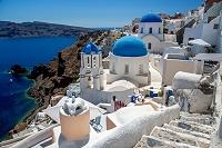 ギリシャ サントリーニ島 北端 断崖急斜面に広がるイアの町並
