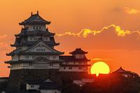 兵庫県 夕日と姫路城
