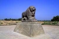 イラク バビロン ライオンの像