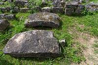 沖縄県 中城城跡 修復中のアーチ門の石材