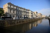 フランス ブルターニュ地方 レンヌ 運河と旧市街