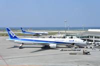 沖縄県 那覇空港 ANA B777-300