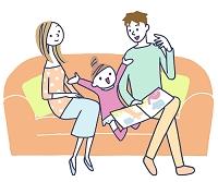 イラスト ソファに座って女の子と遊ぶ夫婦