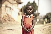 ウガンダ 笑顔の少女