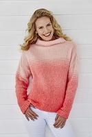 ピンクのニットを着ている女性