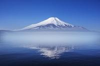 山梨県 山中湖より富士山