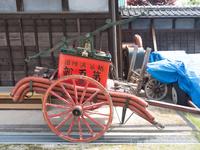 古い手動の消防ポンプ