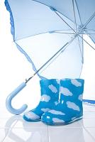 子供の長靴と傘