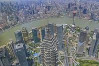 中国 ジンマオタワーと上海の街並み