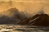 茨城県 ひたちなか市 平磯海岸の荒波