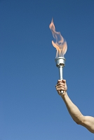 聖火を持っている男性